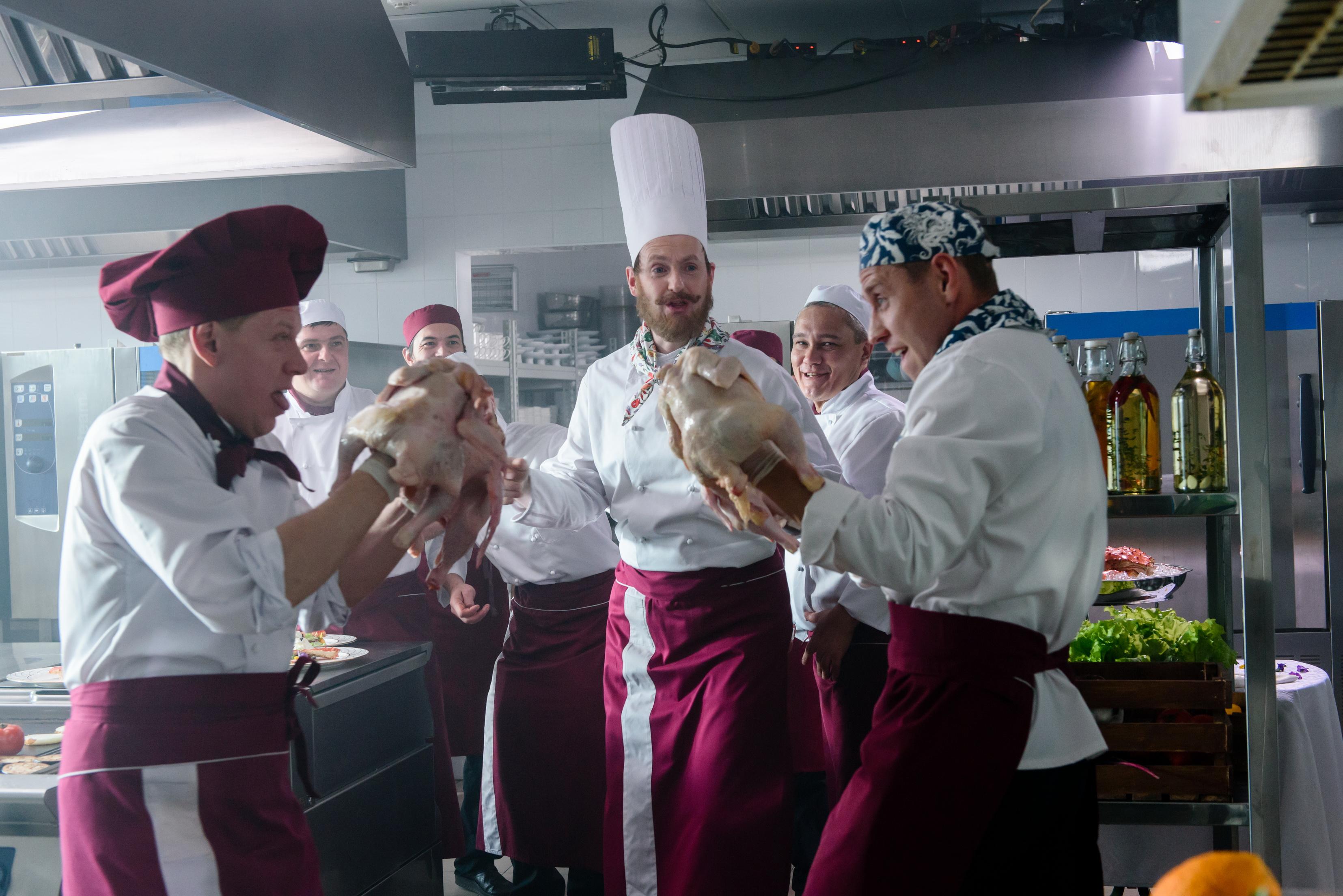 Украинская парочка на кухне видео